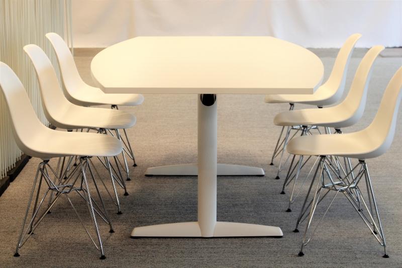 Design stoelen tweedehands hi41 aboriginaltourismontario for Tweedehands eetkamerstoelen