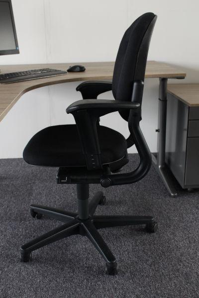 Nieuwe Bureau Stoel.Nieuw Gestoffeerde Ahrend 220 Bureaustoel Met Garantie