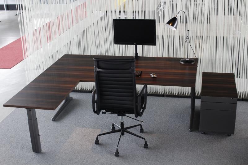 Ahrend essa directie hoekbureau for Bureau 80x60