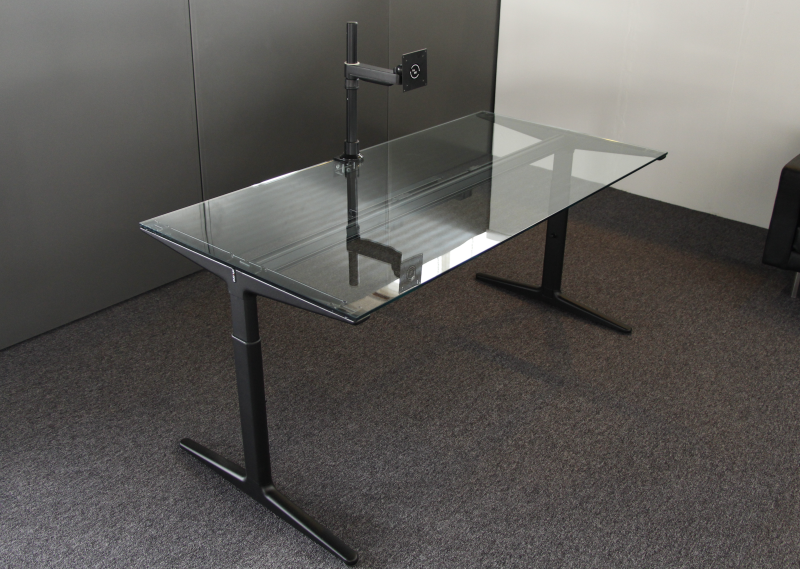 4013 glass ahrend mehes bureau 160x80 cm doorzichtig glas