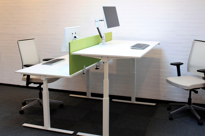 Elektrisch verstelbaar zit sta bureau prestige van cas wit for Bureau zit sta