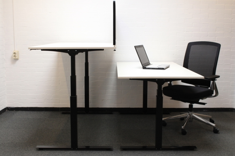 Elektrisch zit sta bureau zwart wit prestige van cas for Bureau zit sta